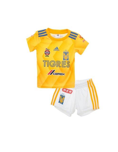 Conjunto deportivo Adidas para bebé fed010c134e91