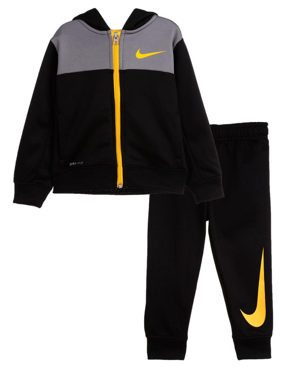 105e331a767c9 Conjunto deportivo Nike para niño